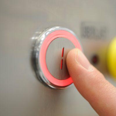 push button vertical platformlift